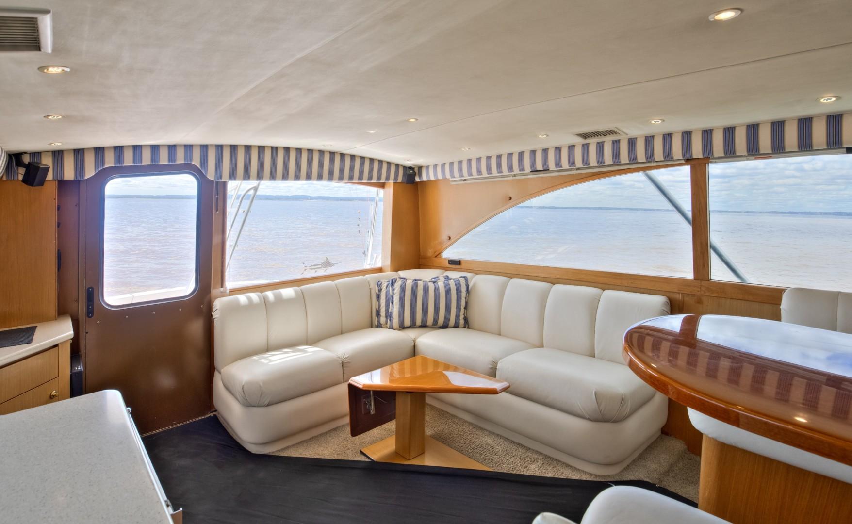 Ocean Yachts 40 - Top Shot - Salon