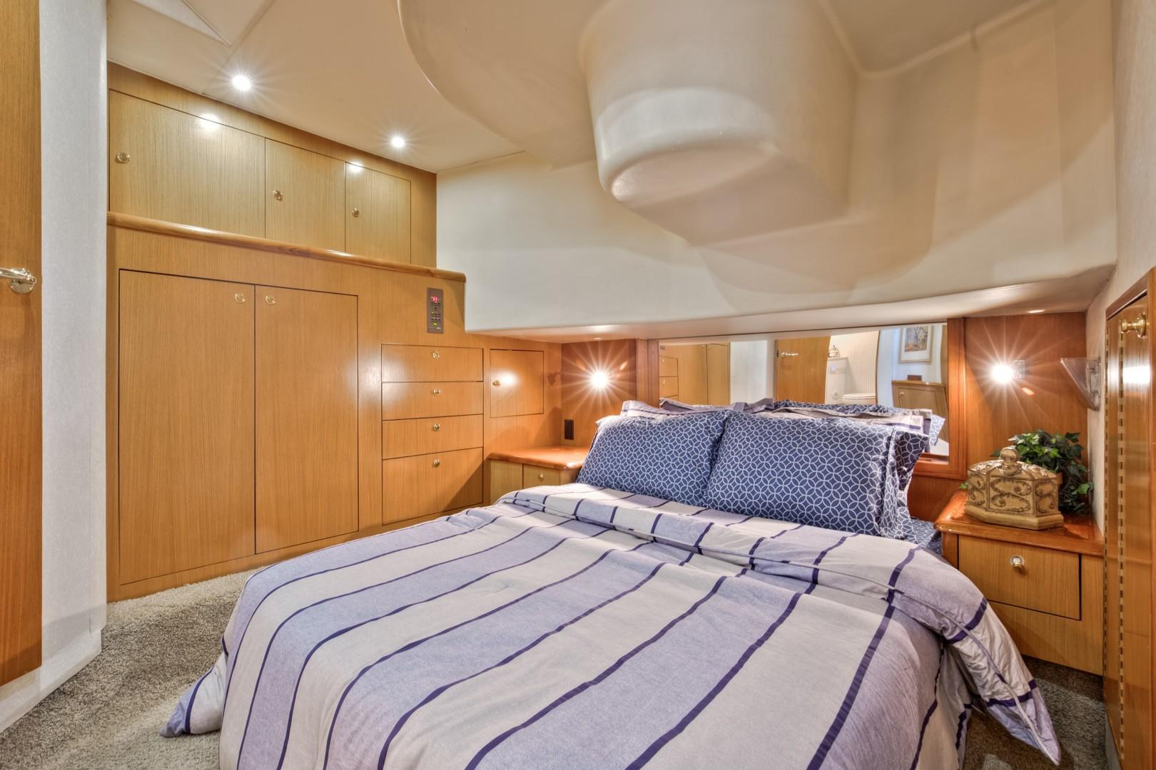 Ocean Yachts 40 - Top Shot - Master Stateroom