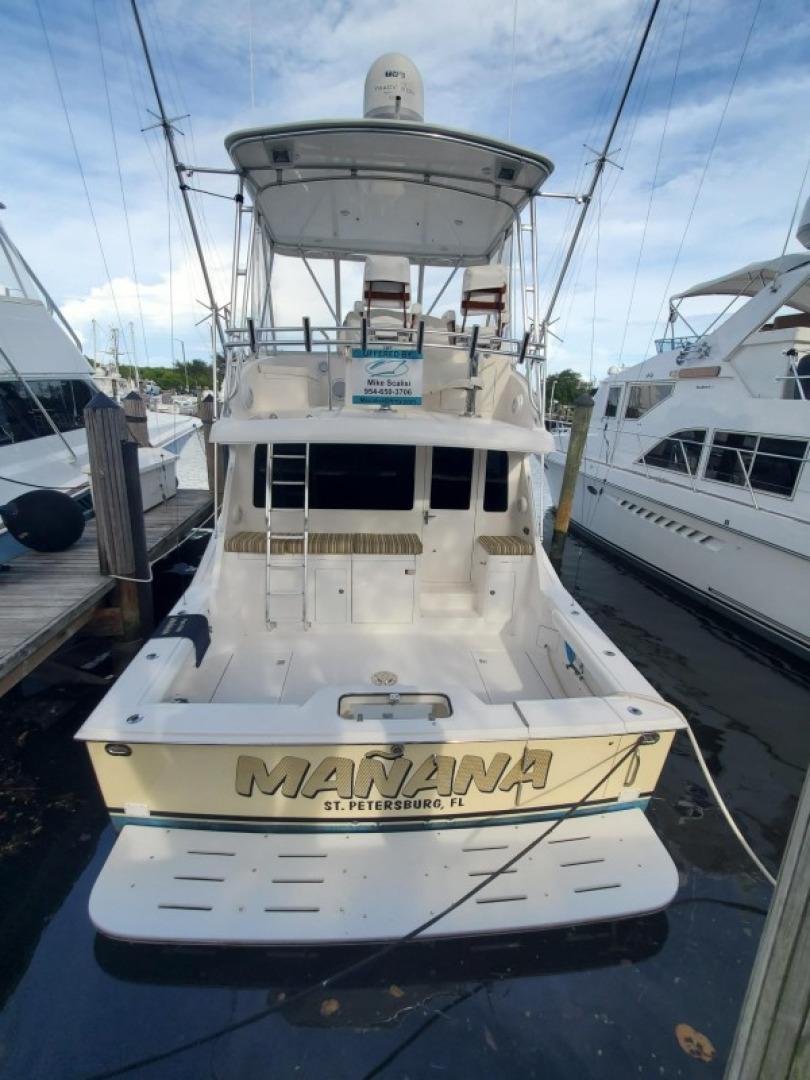 40 Cabo - Manana - Stern Profile