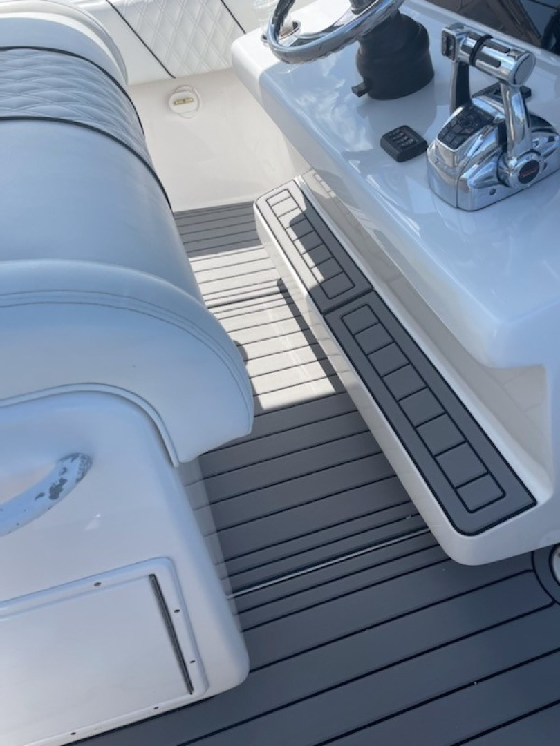 SeaHunter 37 - Lonesome Cowboy - Helm Seating and Footrest
