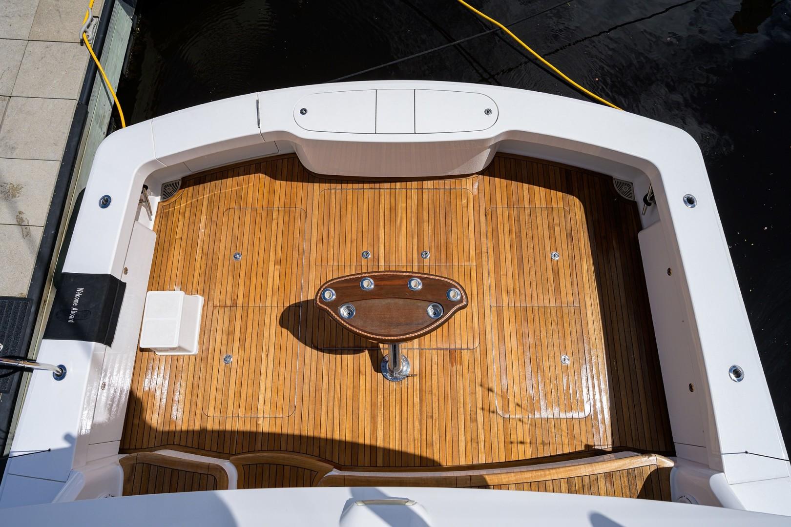 Viking 68 WAE FUN - Cockpit