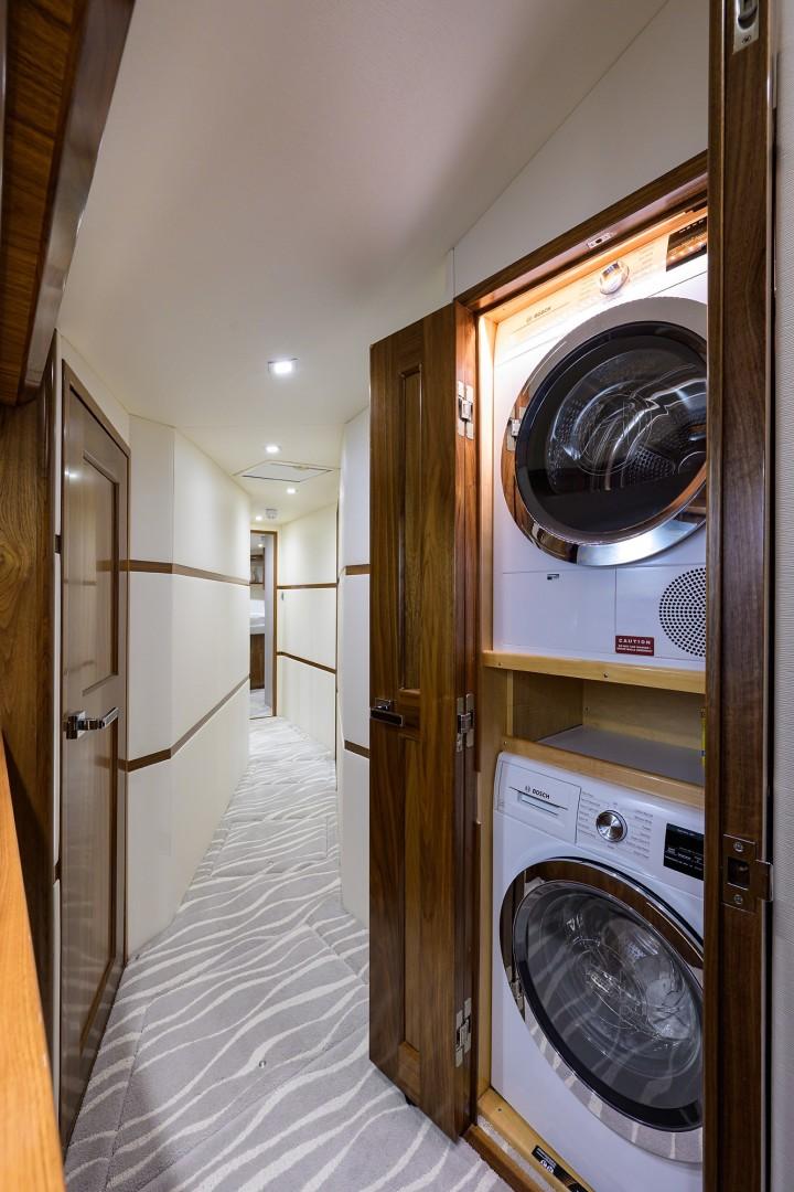 Viking 68 WAE FUN - Laundry