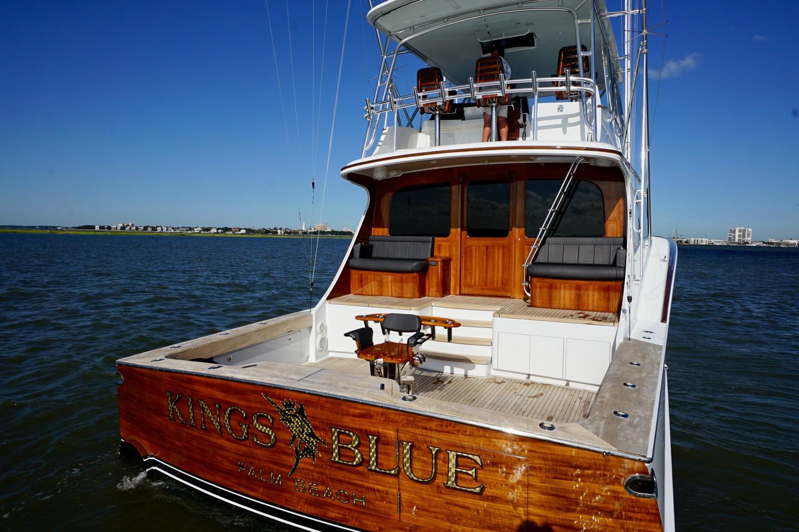 Whiticar 77 - Kings Blue - stern profile