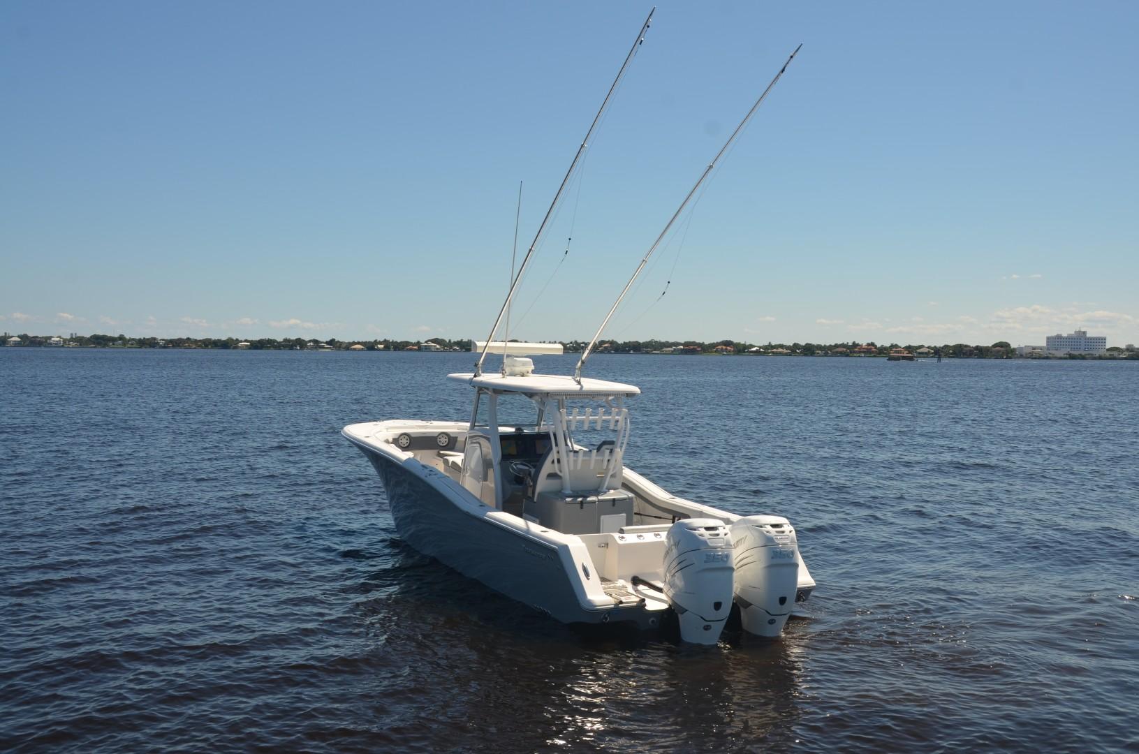 Tidewater 320 CC - Exterior Profile