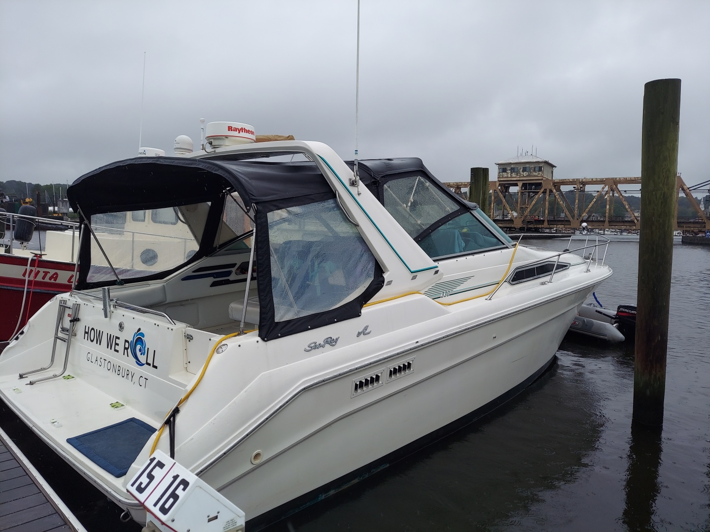 HOW WE ROLL 33ft Sea Ray Yacht For Sale