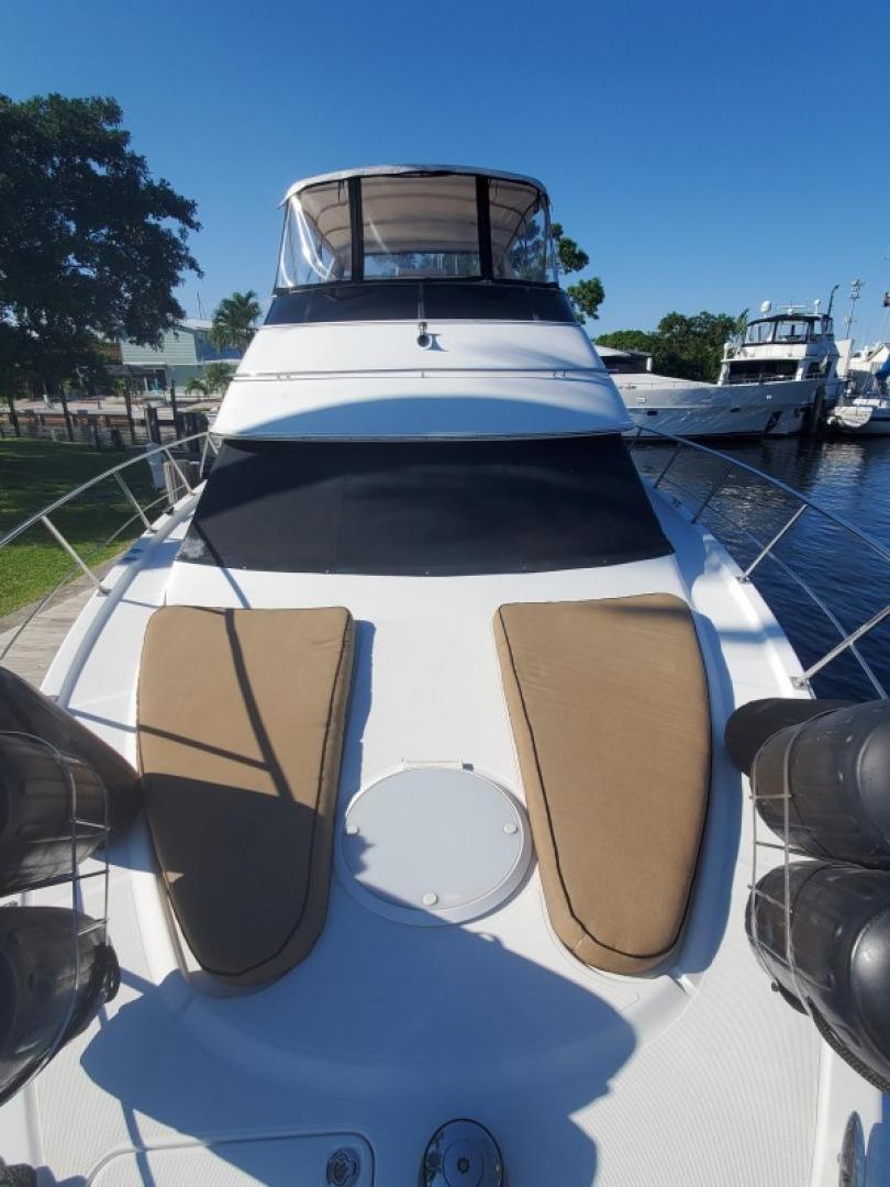 Carver 39 - Regal S - Bow Profile