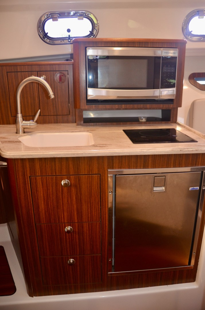 Pursuit 32 - Grillin Time - galley