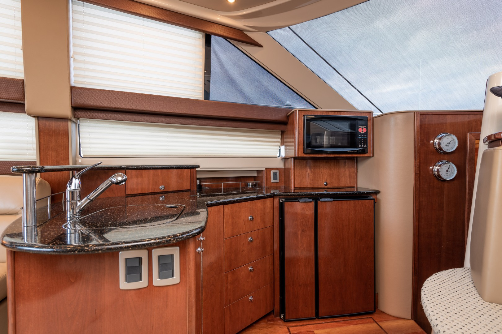 Meridian 39 - Out'n About - Galley