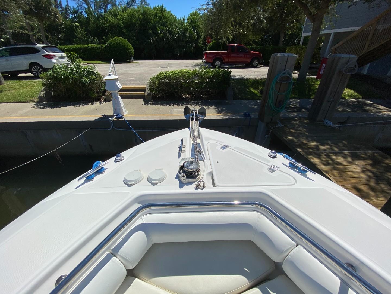 Boston Whaler 27 - Anchor Windlass
