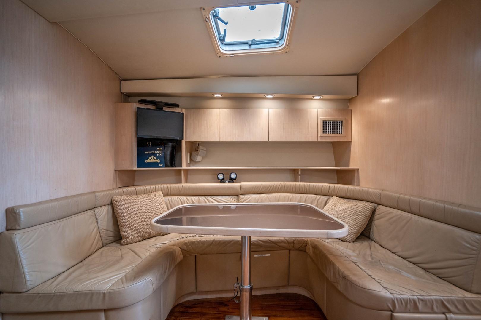 Tiara Yachts 43 - Amadeus - Dinnette