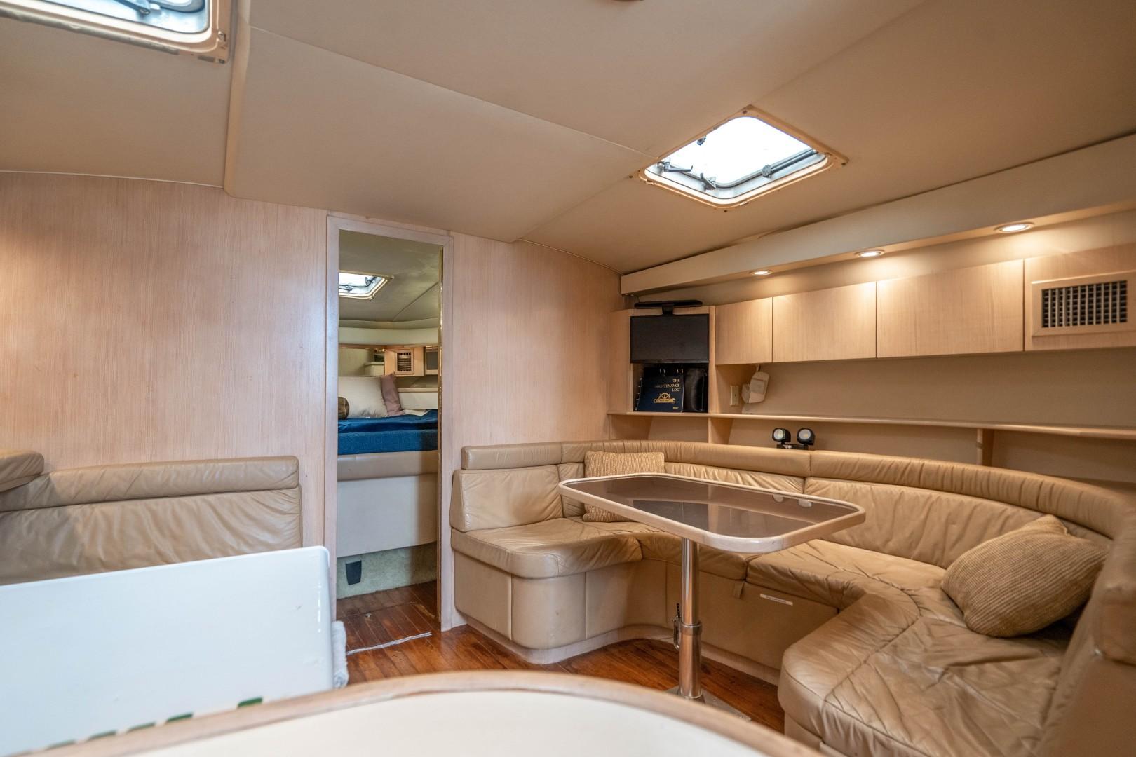 Tiara Yachts 43 - Amadeus - Dinette