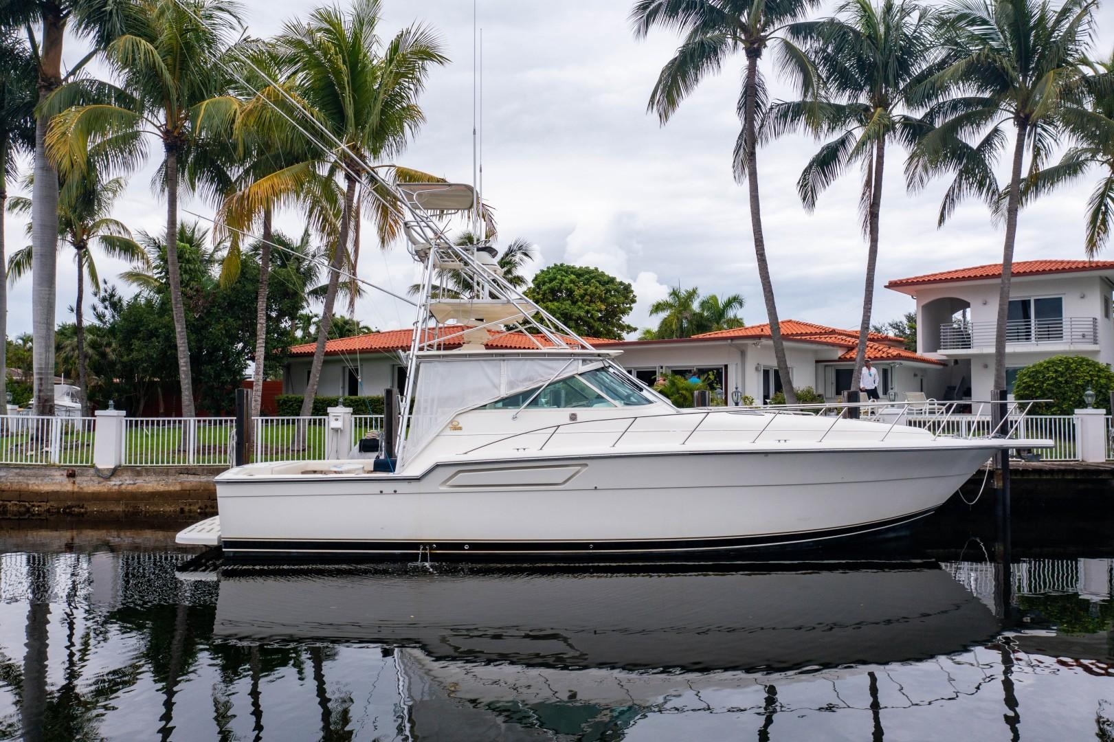 Tiara Yachts 43 - Amadeus - Exterior Profile