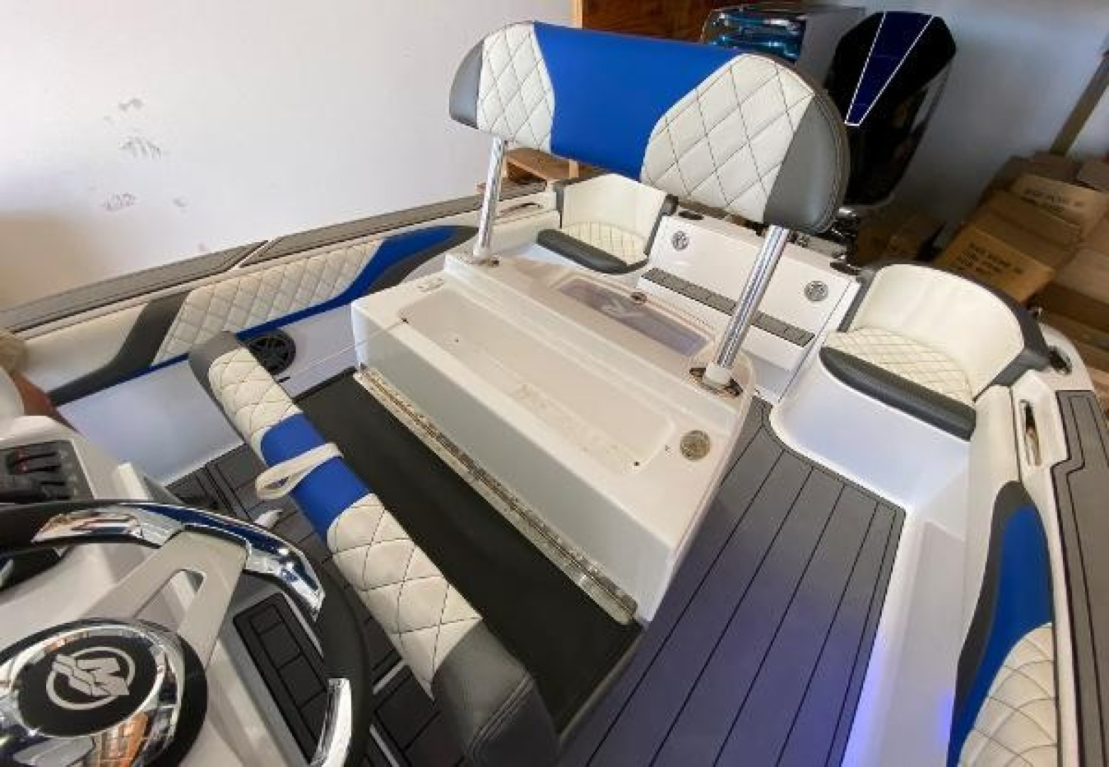 24ft Outlaw Yacht For Sale
