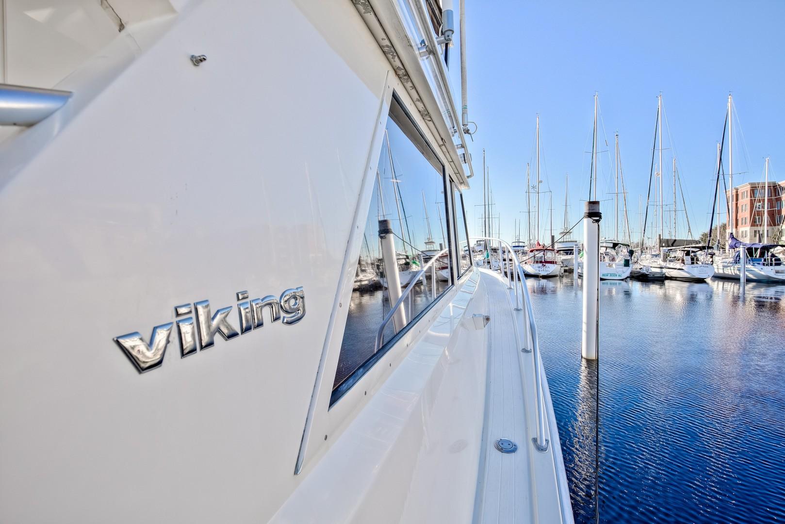 Viking 41 - Yota Life - Portside Profile