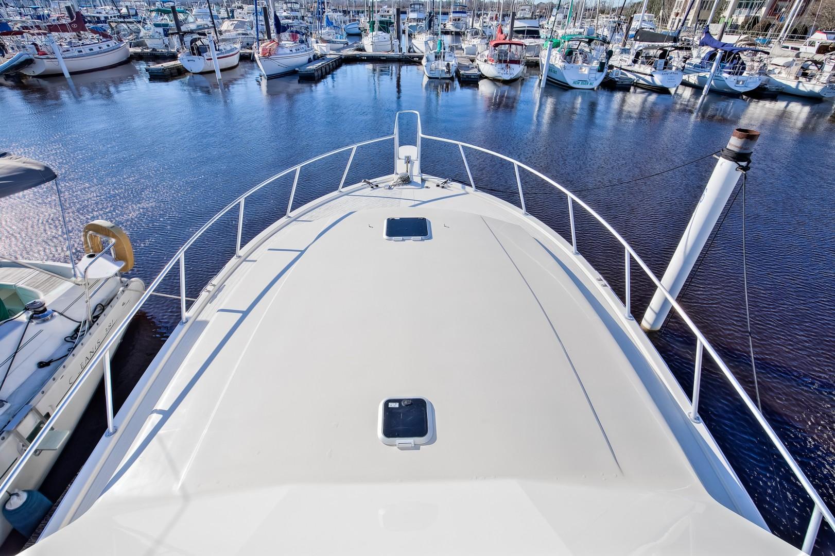 Viking 41 - Yota Life - Bow Profile