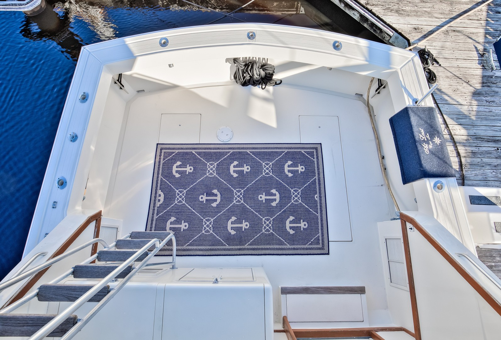 Viking 41 - Yota Life - Cockpit from Bridge