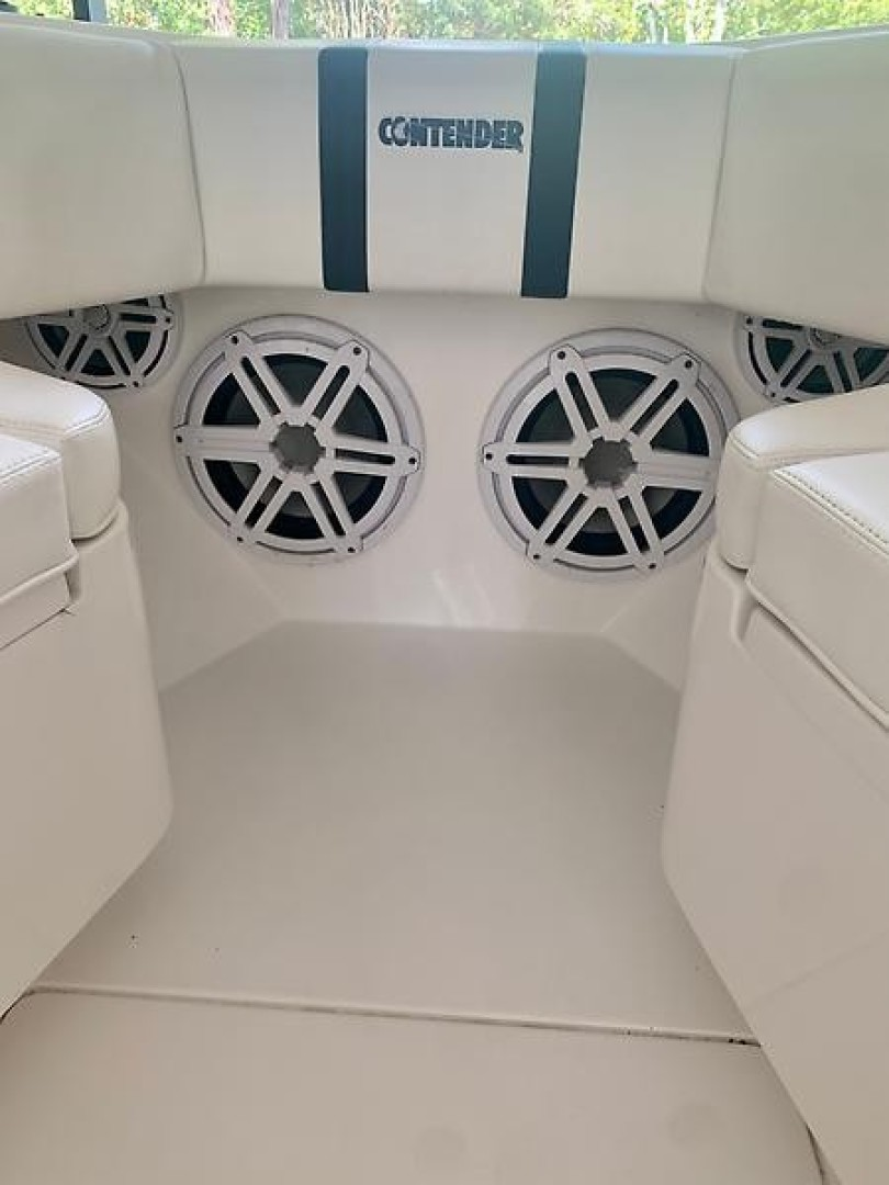 Contender 32 - Verdier - Cockpit