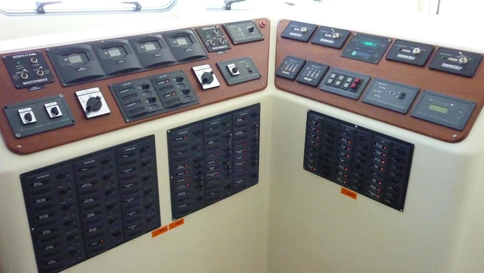 Custom-Catamaran 2009-Bonefish Brunswick-Georgia-United States-A/C & D/C Electric Monitors & Panels-610031 | Thumbnail