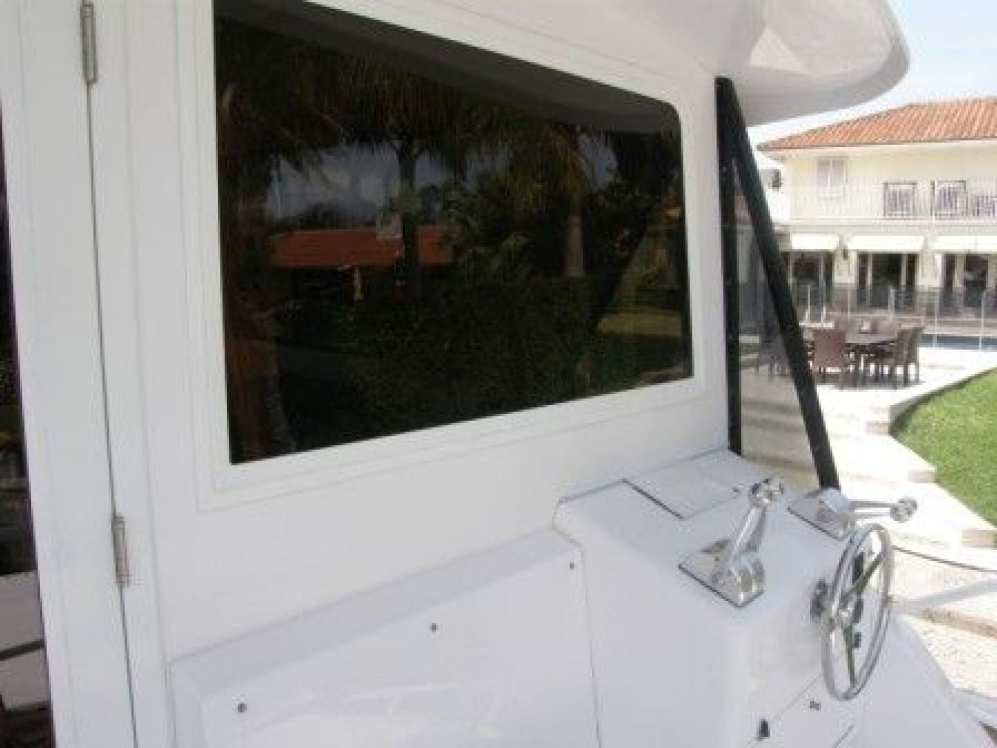 Bertram-Enclosed Flybridge 1997-Off Season Miami-United States-Exterior Helm Station-435879 | Thumbnail