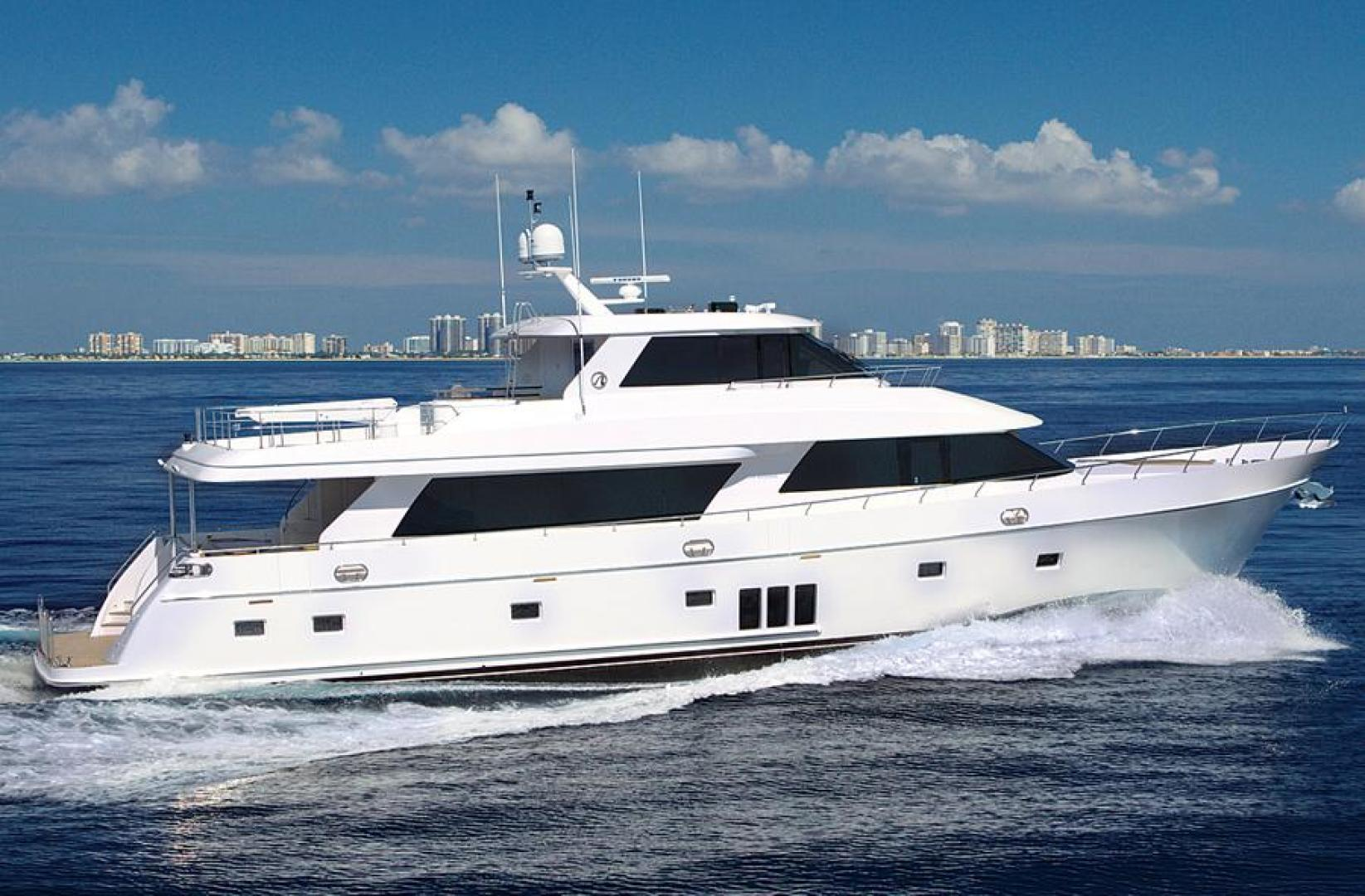 Picture Of: 90' Ocean Alexander Sky Lounge 2013 Yacht For Sale | 2 of 65