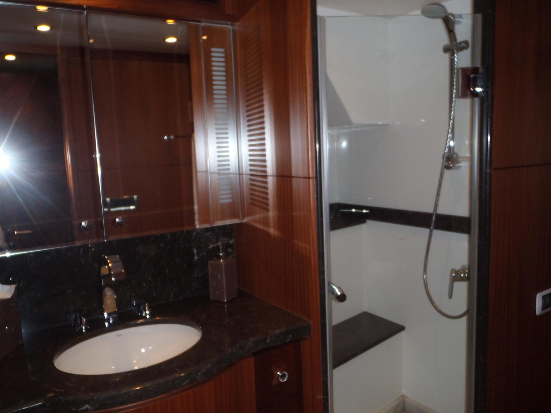 Ocean Alexander-Sky Lounge 2013-Risky Business Singer Island-Florida-United States-Fwd VIP Head & Shower-519052 | Thumbnail