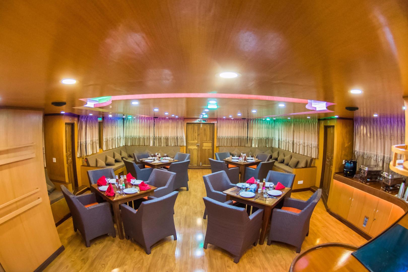 Custom-Explorer 110 2016 -Male-Maldives-Custom 110 Motor Yacht Dining and Lounge-534406 | Thumbnail