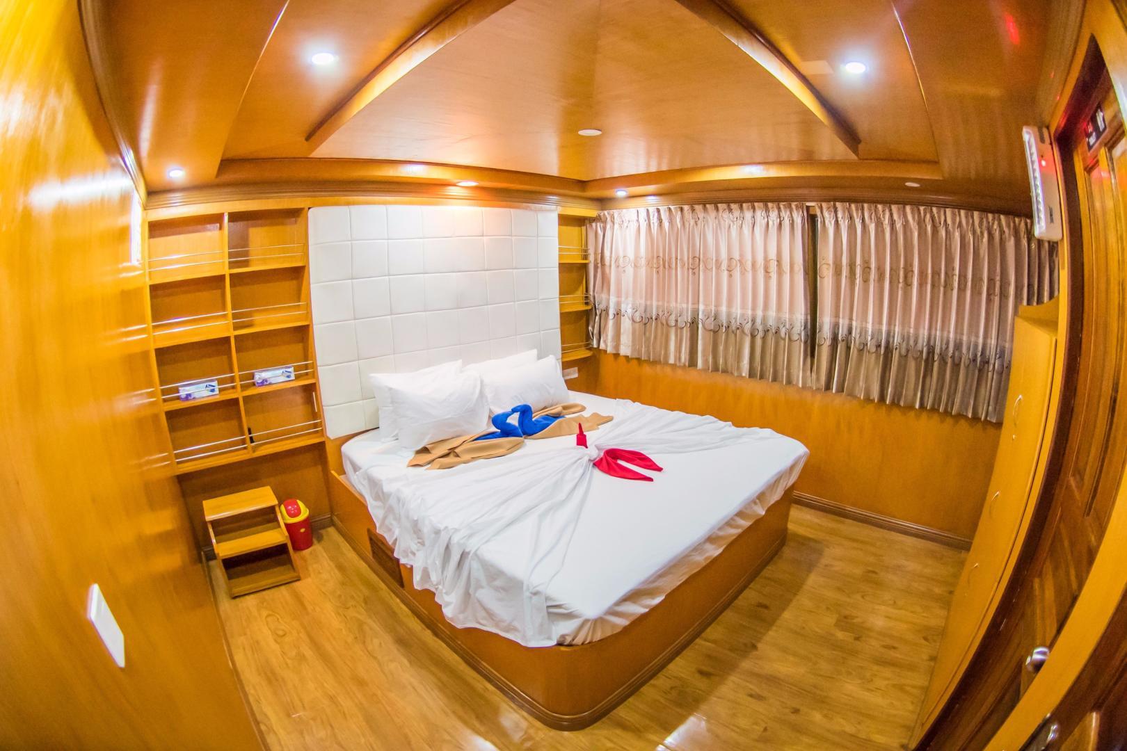 Custom-Explorer 110 2016 -Male-Maldives-Custom 110 Motor Yacht VIP Stateroom-534412 | Thumbnail