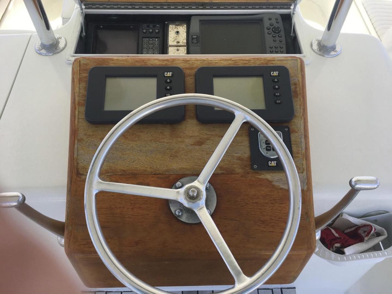 Buddy Davis-61 Sportfish 1989-ARROWHEAD Southport-Florida-United States-Flybridge Helm-550950 | Thumbnail