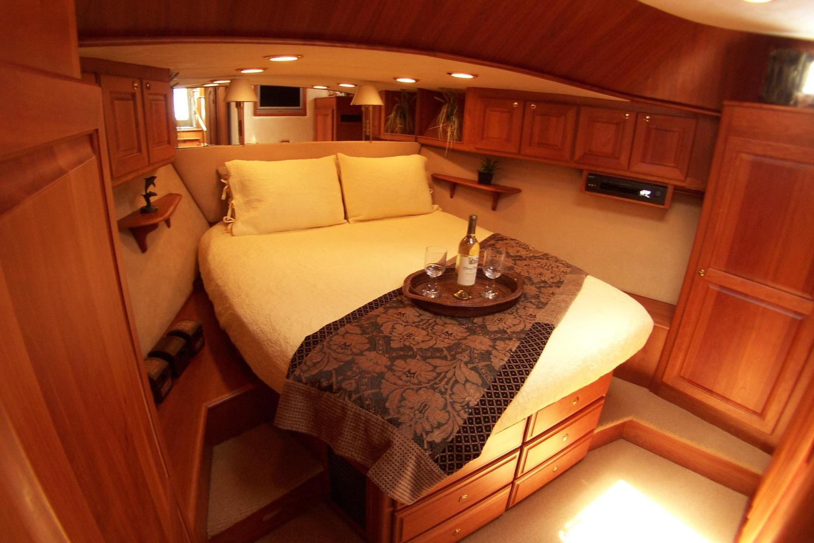 Legacy Yachts-Flybridge Sedan 2004-ARABELLA Stuart-Florida-United States-Master Stateroom; centerline queen berth-453046 | Thumbnail