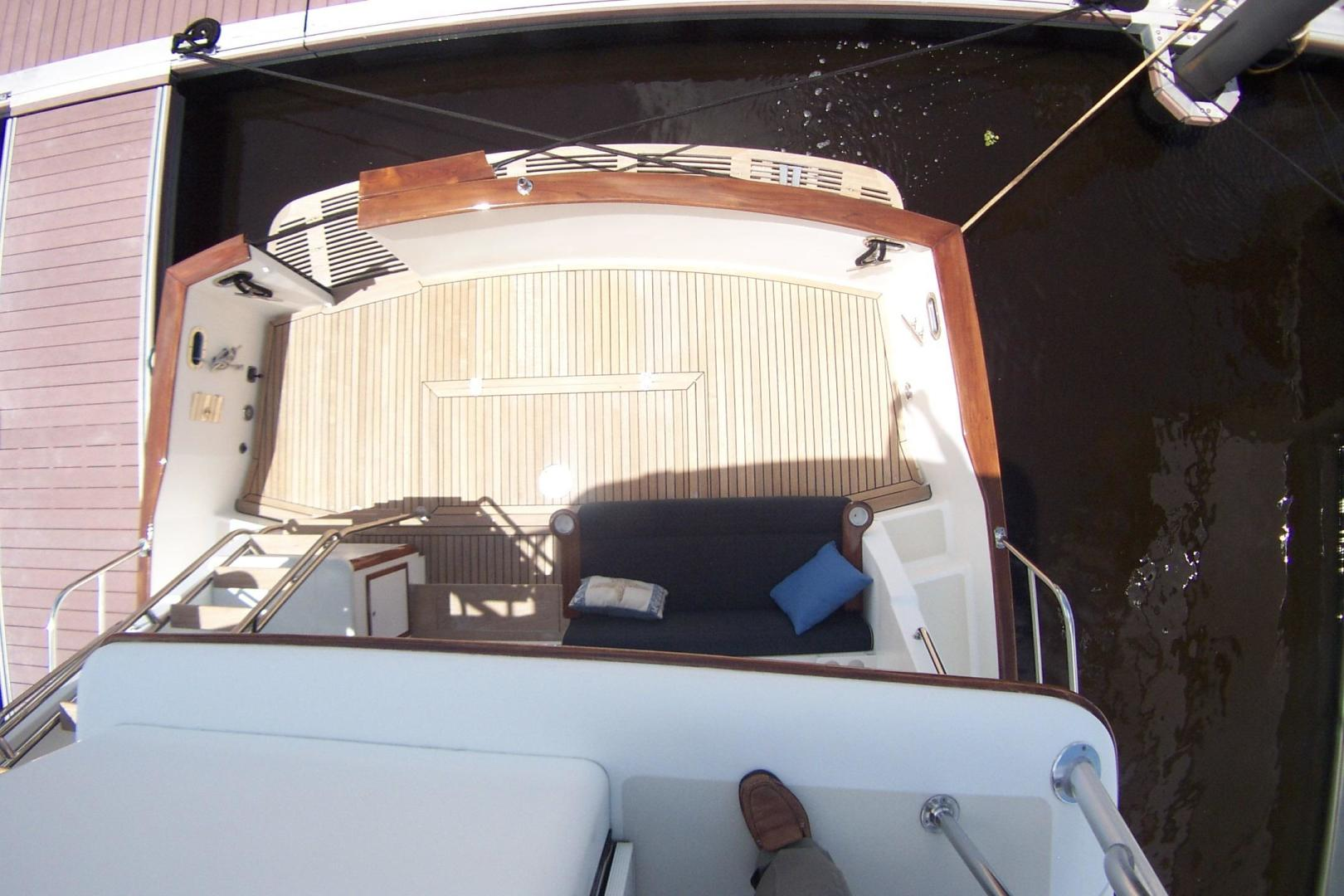 Legacy Yachts-Flybridge Sedan 2004-ARABELLA Stuart-Florida-United States-Cockpit viewed from Flybridge-453071 | Thumbnail