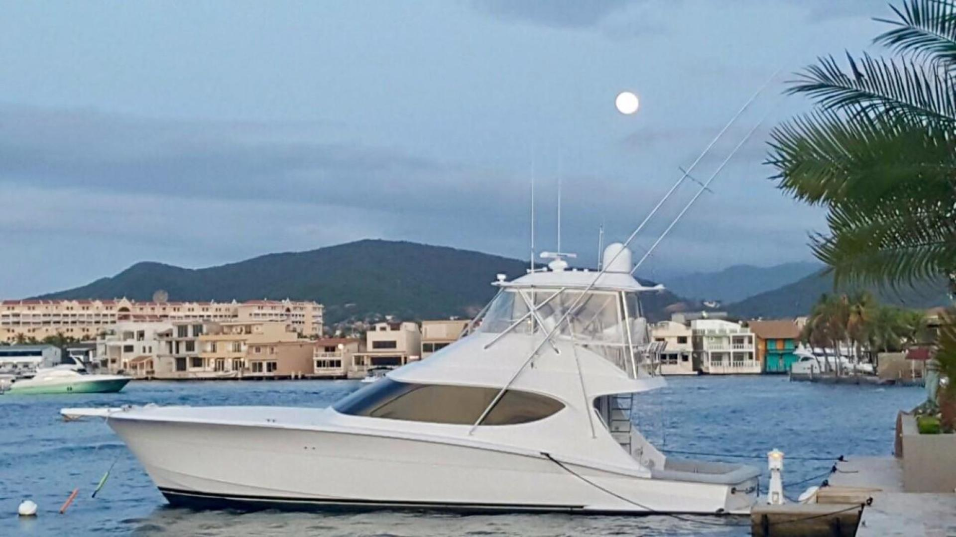 Picture Of: 54' Hatteras 54 GT Convertible 2014 Yacht For Sale | 2 of 9