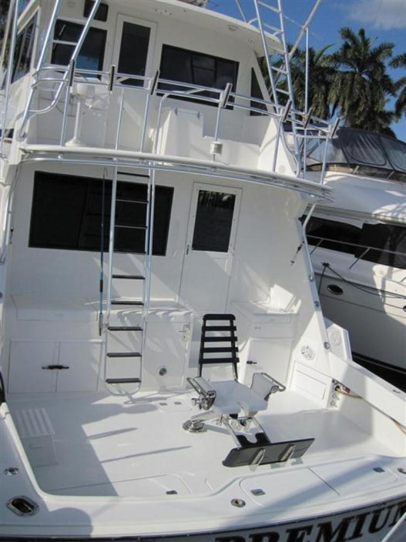 Picture Of: 65' Hatteras Enclosed Bridge Convertible SF 1997 Yacht For Sale | 2 of 24