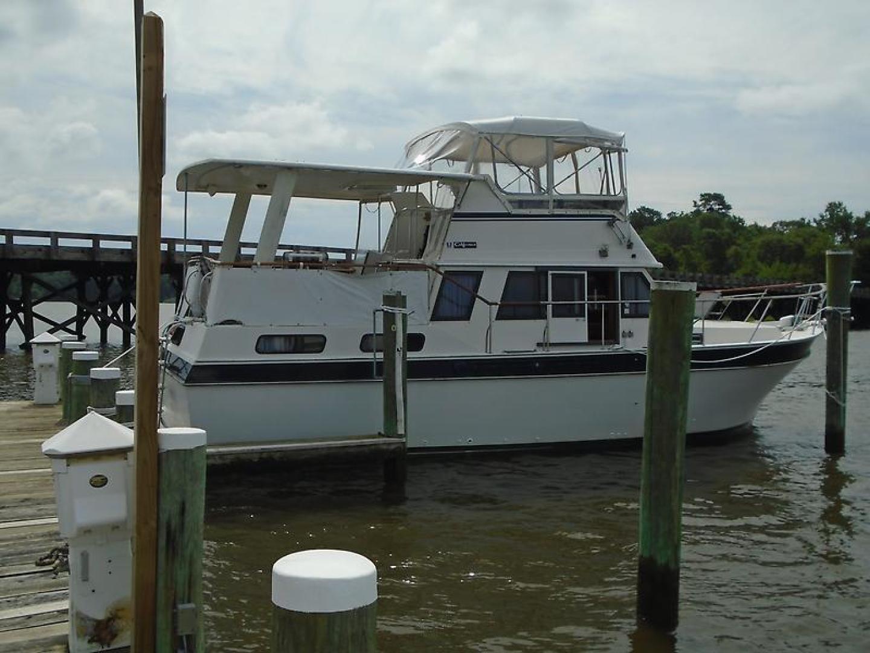 38' Californian 1984 38 Motor Yacht No Name