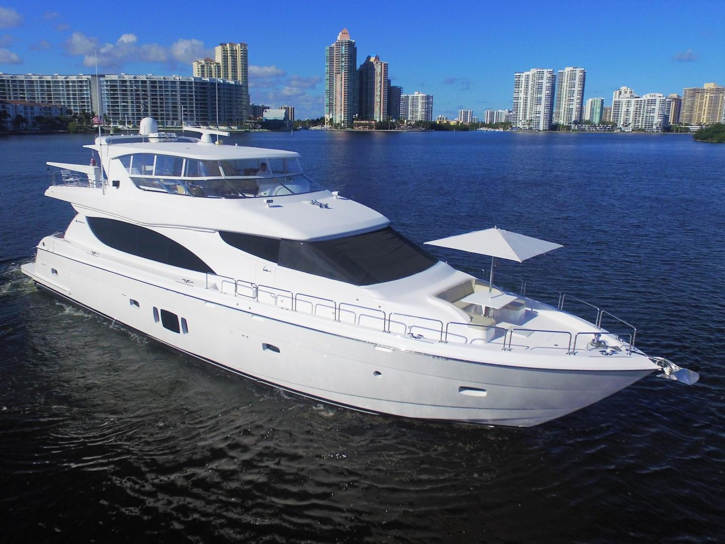Picture Of: 80' Hatteras 80 Motor Yacht 2015 Yacht For Sale | 1 of 112