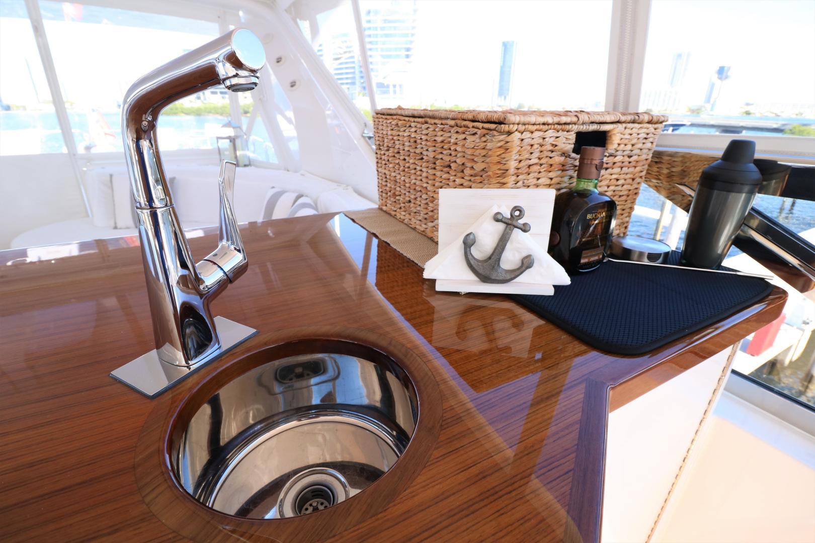 Hatteras-80 Motor Yacht 2015-Daddy Miami-Florida-United States-556307 | Thumbnail