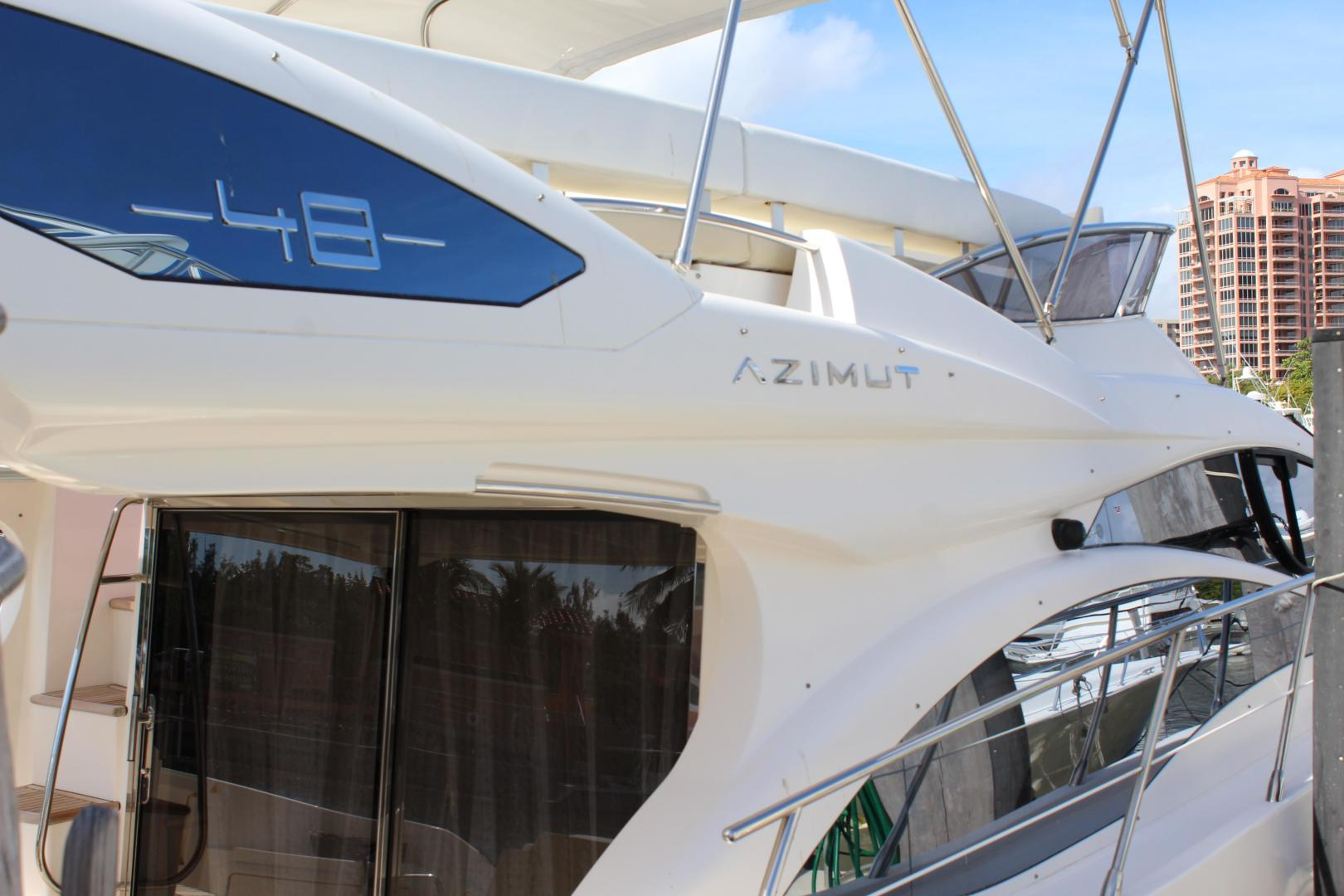 Picture Of: 48' Azimut 48 Flybridge 2012 Yacht For Sale | 2 of 87