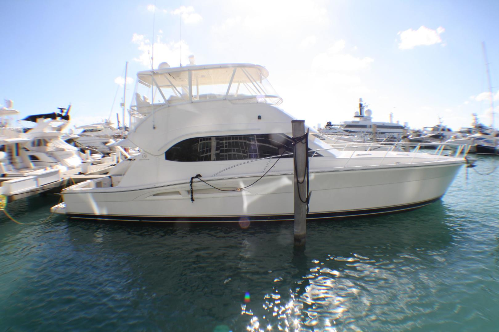 Picture Of: 51' Riviera 51 CONVERTIBLE 2007 Yacht For Sale | 1 of 38