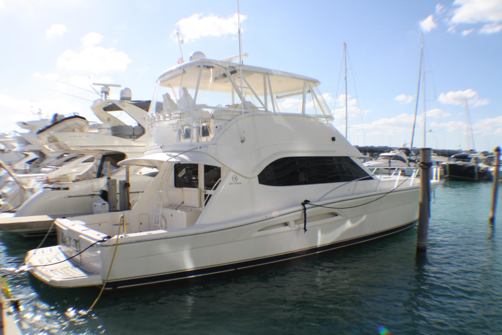 Picture Of: 51' Riviera 51 CONVERTIBLE 2007 Yacht For Sale | 2 of 38