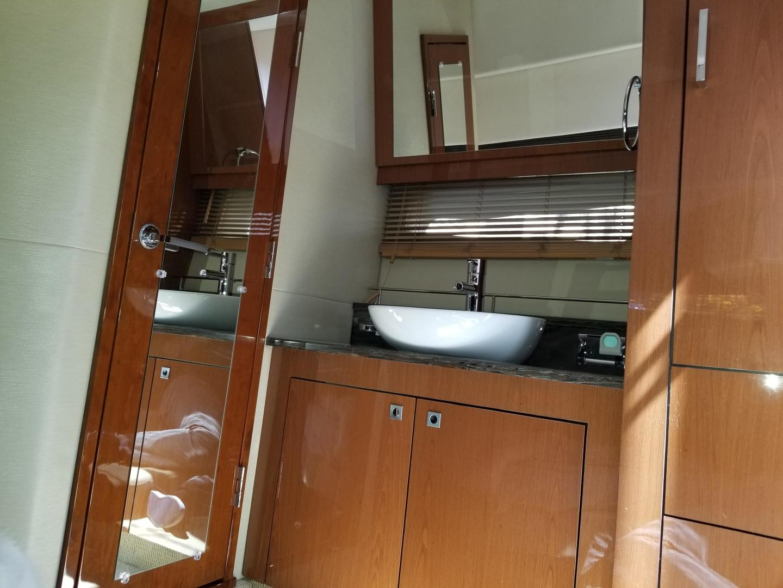 47 2015 Sea Ray 470 Sundancer Tampa Yacht Sales Wiring Switch For Bathroom Faa Master Vanity Area