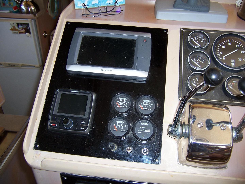 CHB-Seamaster Sundeck 1989-Com Monday Fort Lauderdale-Florida-United States-48 Chung Hwa Lower Electronics-732032 | Thumbnail