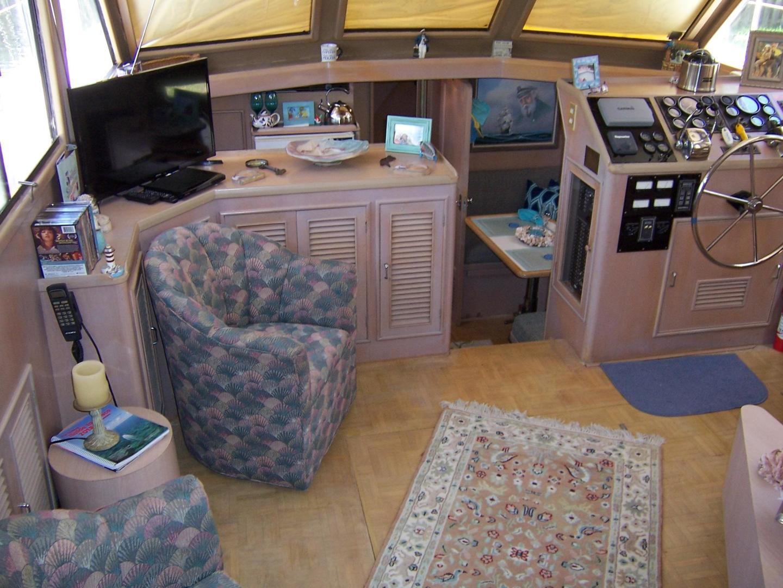 CHB-Seamaster Sundeck 1989-Com Monday Fort Lauderdale-Florida-United States-48 Chung Hwa Salon View-732072 | Thumbnail
