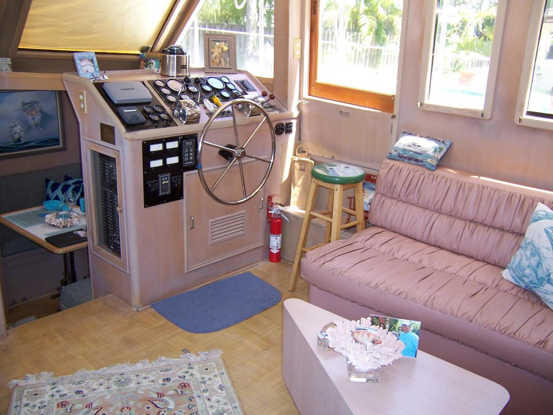 CHB-Seamaster Sundeck 1989-Com Monday Fort Lauderdale-Florida-United States-48 Chung Hwa Salon-732051 | Thumbnail