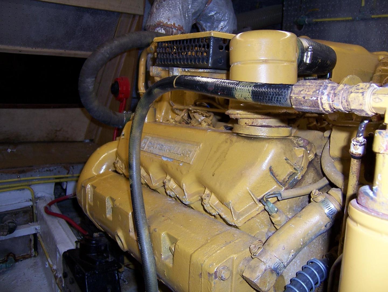 CHB-Seamaster Sundeck 1989-Com Monday Fort Lauderdale-Florida-United States-48 Chung Hwa STBD Engine-732025 | Thumbnail