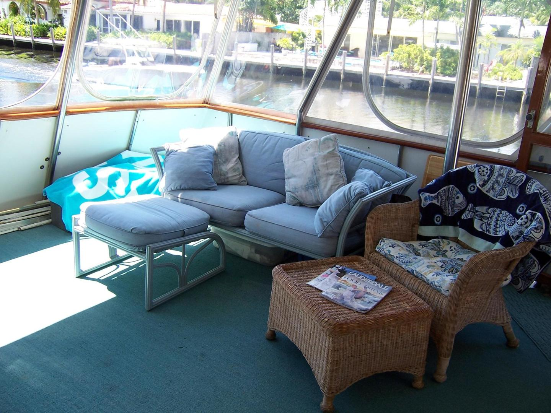 CHB-Seamaster Sundeck 1989-Com Monday Fort Lauderdale-Florida-United States-48 Chung Hwa Aft Deck Seating-732077 | Thumbnail