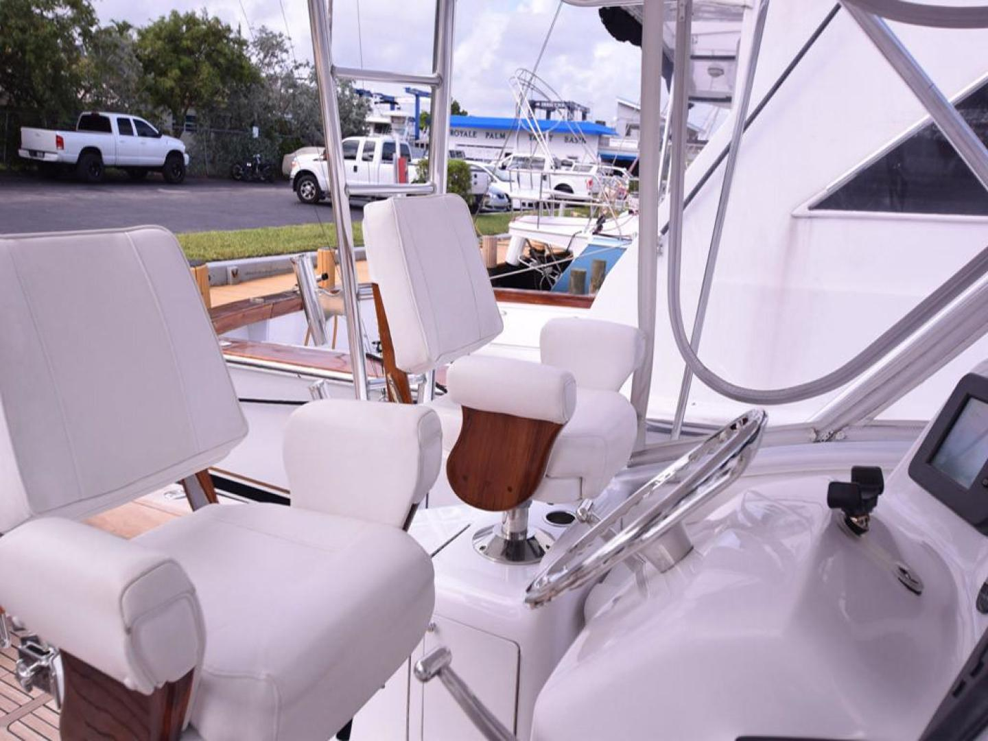 Custom-Middleton Sports Fisherman 2008-Chasing Tail Dania-Florida-United States-Helm Seats-913262 | Thumbnail