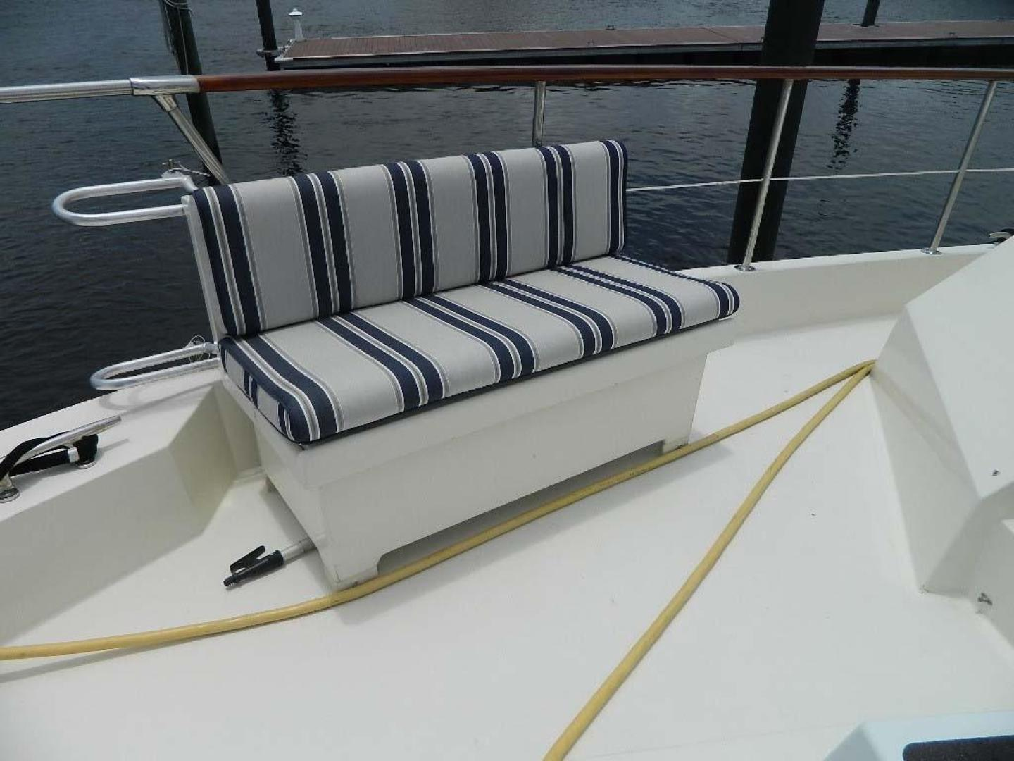 Hatteras-Motor Yacht 1989-Windfall Stuart-Florida-United States-Foredeck Seating Port-910364 | Thumbnail