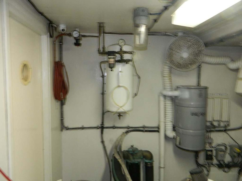 Hatteras-Motor Yacht 1989-Windfall Stuart-Florida-United States-Engine room-910454 | Thumbnail