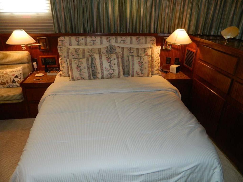 Hatteras-Motor Yacht 1989-Windfall Stuart-Florida-United States-Master Stateroom-910422 | Thumbnail