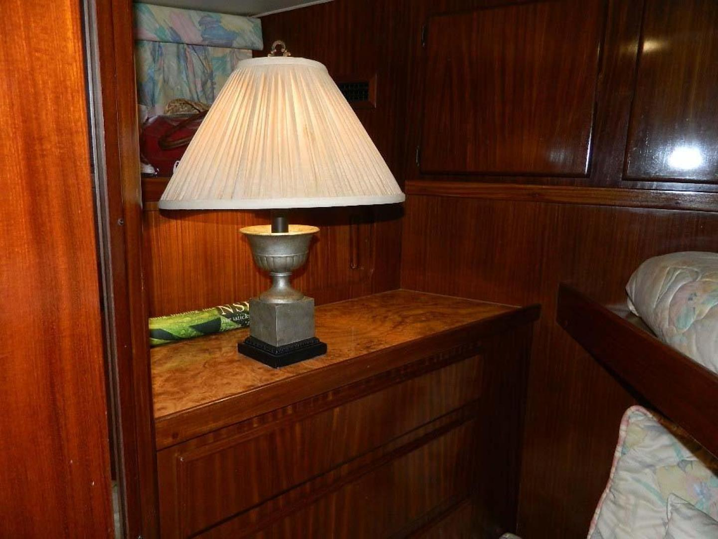 Hatteras-Motor Yacht 1989-Windfall Stuart-Florida-United States-Fwd Guest Cabin-910441 | Thumbnail