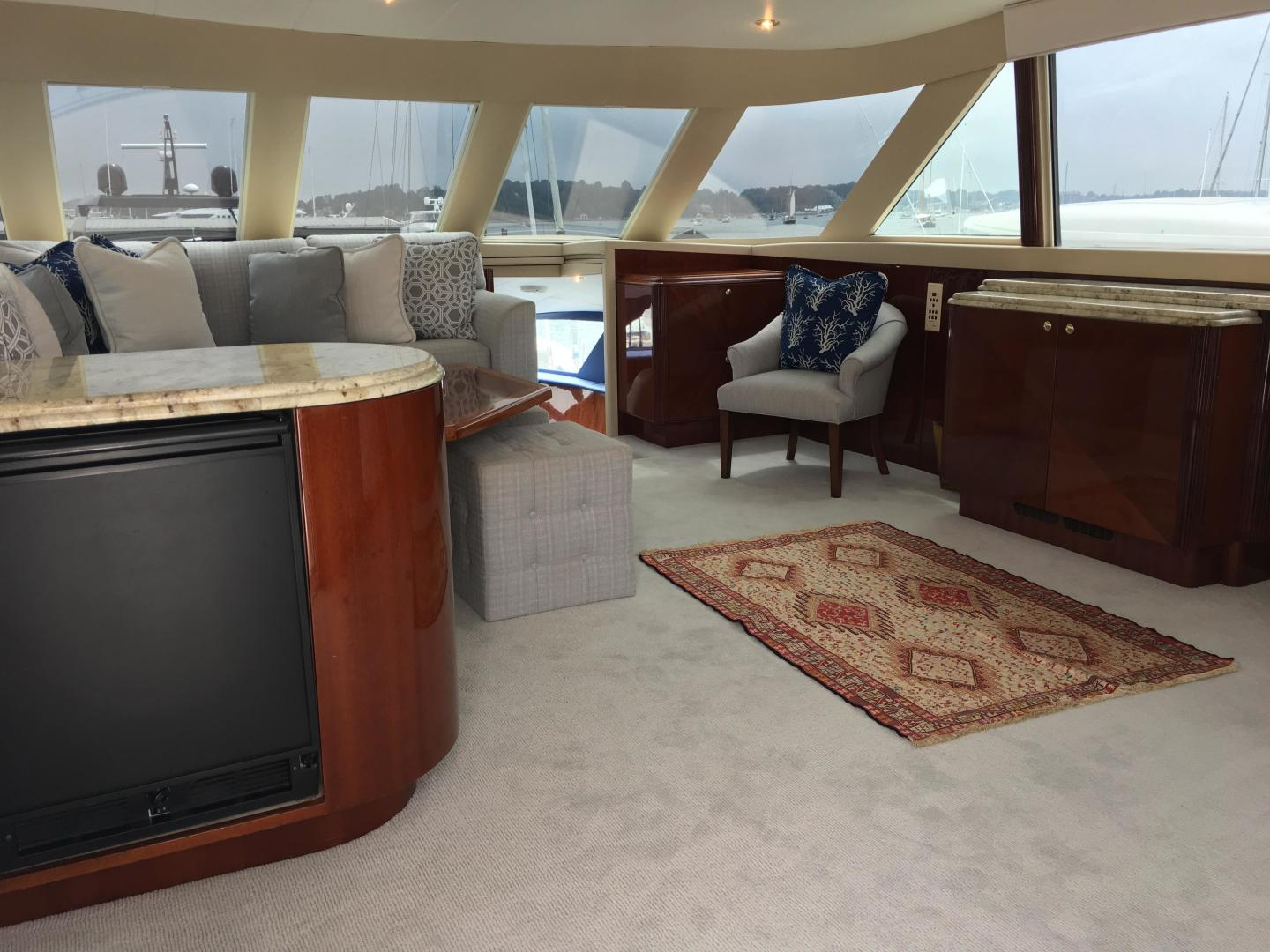 used lazzara 94 39 motor yacht for sale in rhode island scapoli united yacht sales. Black Bedroom Furniture Sets. Home Design Ideas
